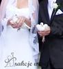 białe gołebie na ślubie